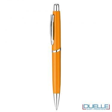 Penna in plastica con meccanica a pulsante personalizzata colore arancione