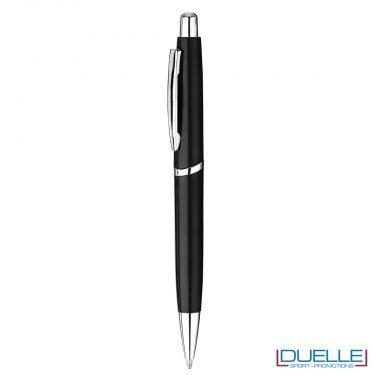 Penna in plastica con meccanica a pulsante personalizzata colore nero