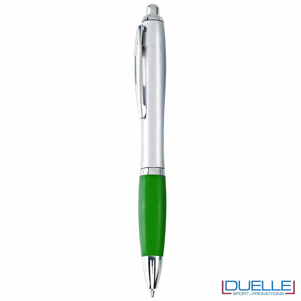 Penna economica personalizzata fusto silver impugnatura verde