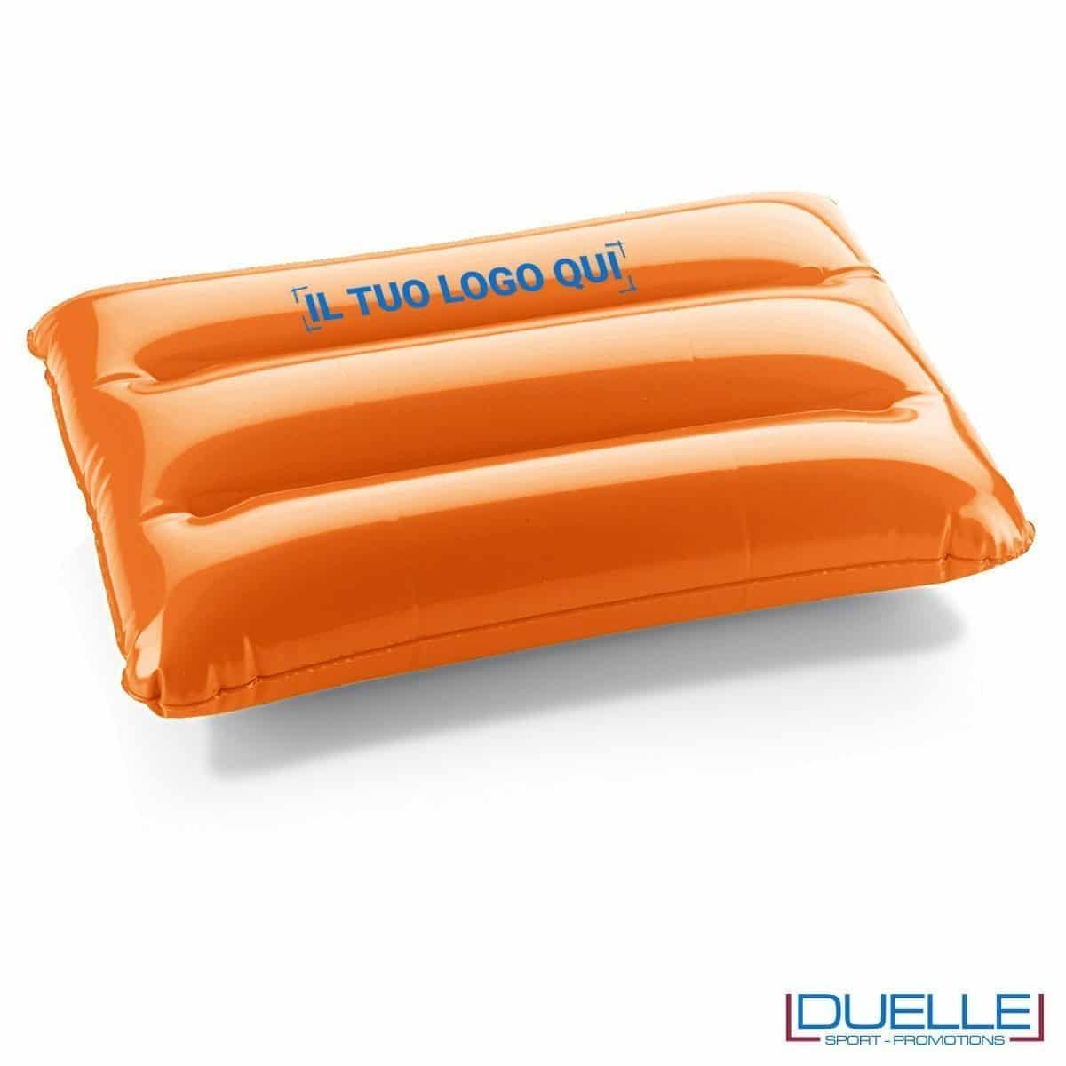 cuscino gonfiabile personalizzato in colore arancione, cuscino da spiaggia gonfiabile personalizzato con logo