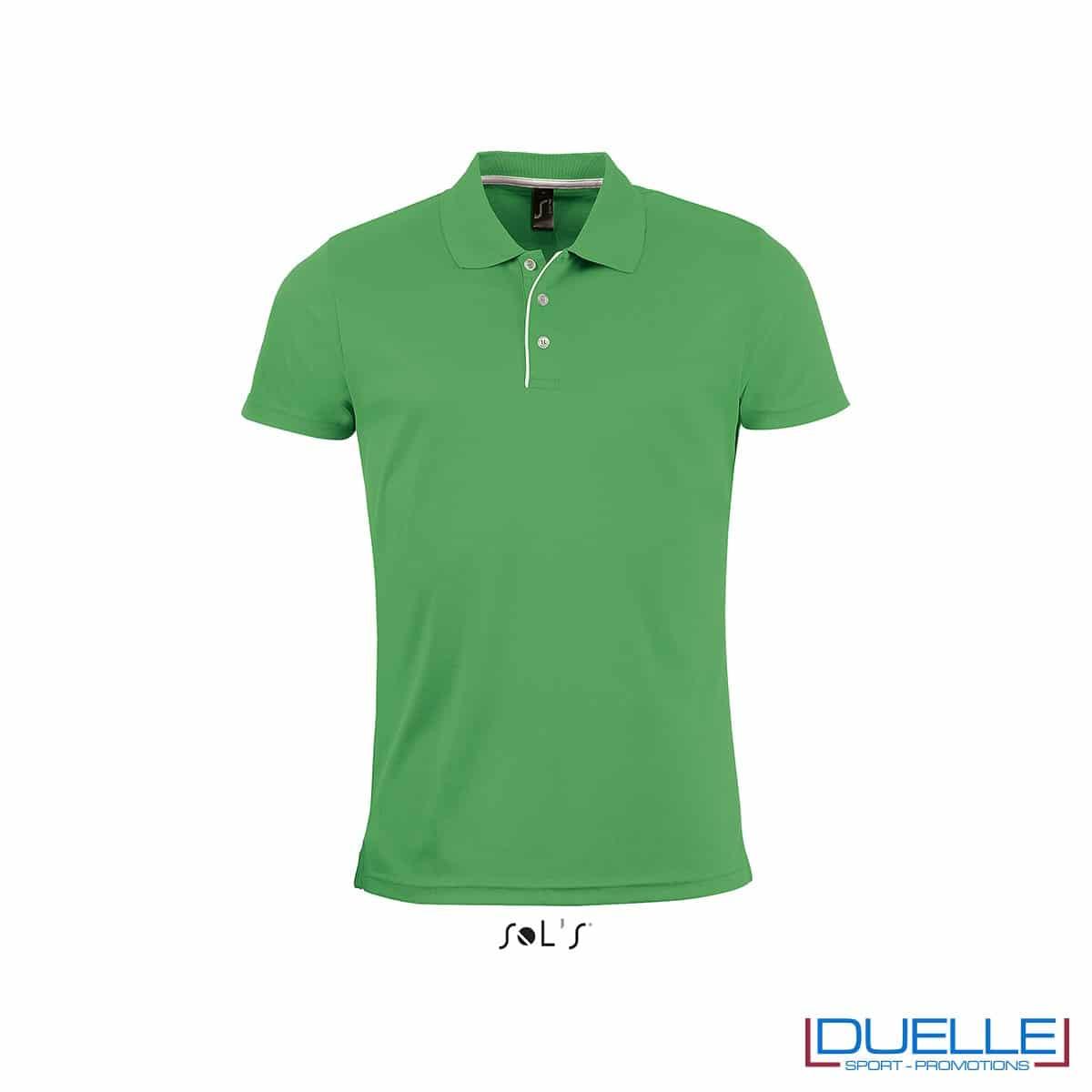 polo personalizzata sportiva in poliestere traspirante colore rosso, polo personalizzata, abbigliamento sportivo personalizzato colore VERDE PRATO