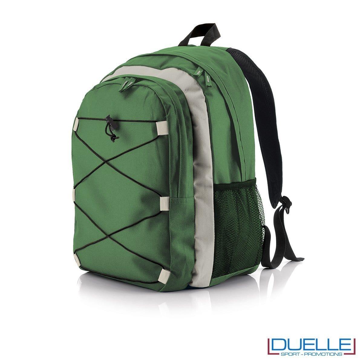 zaino personalizzato montagna colore verde, gadget sport trekking. Zaino tipo north face