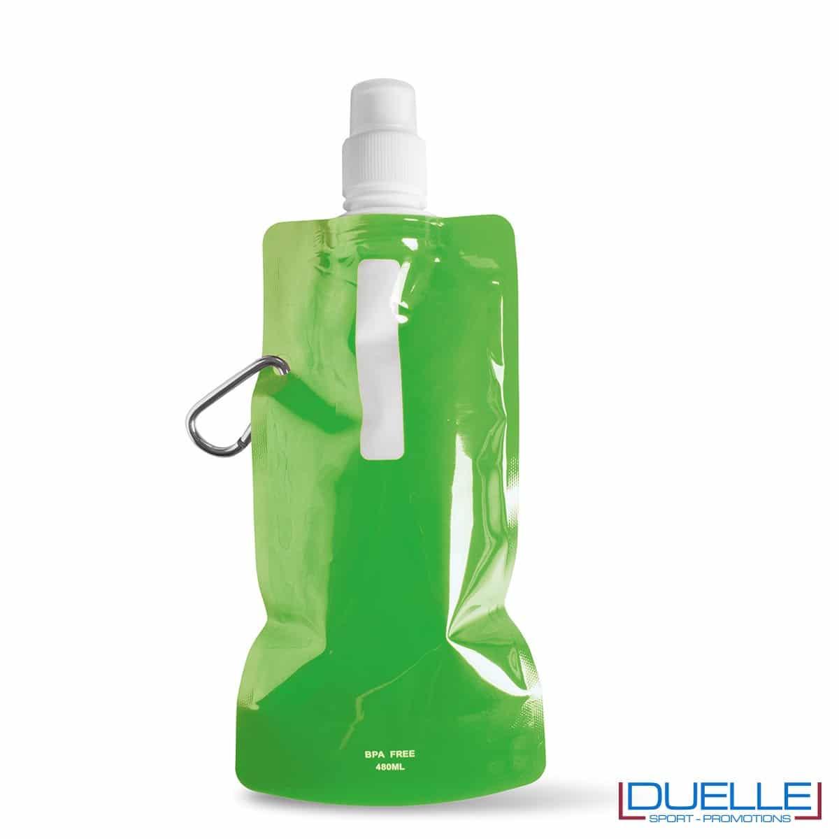 Borraccia personalizzata pieghevole con moschettone colore verde