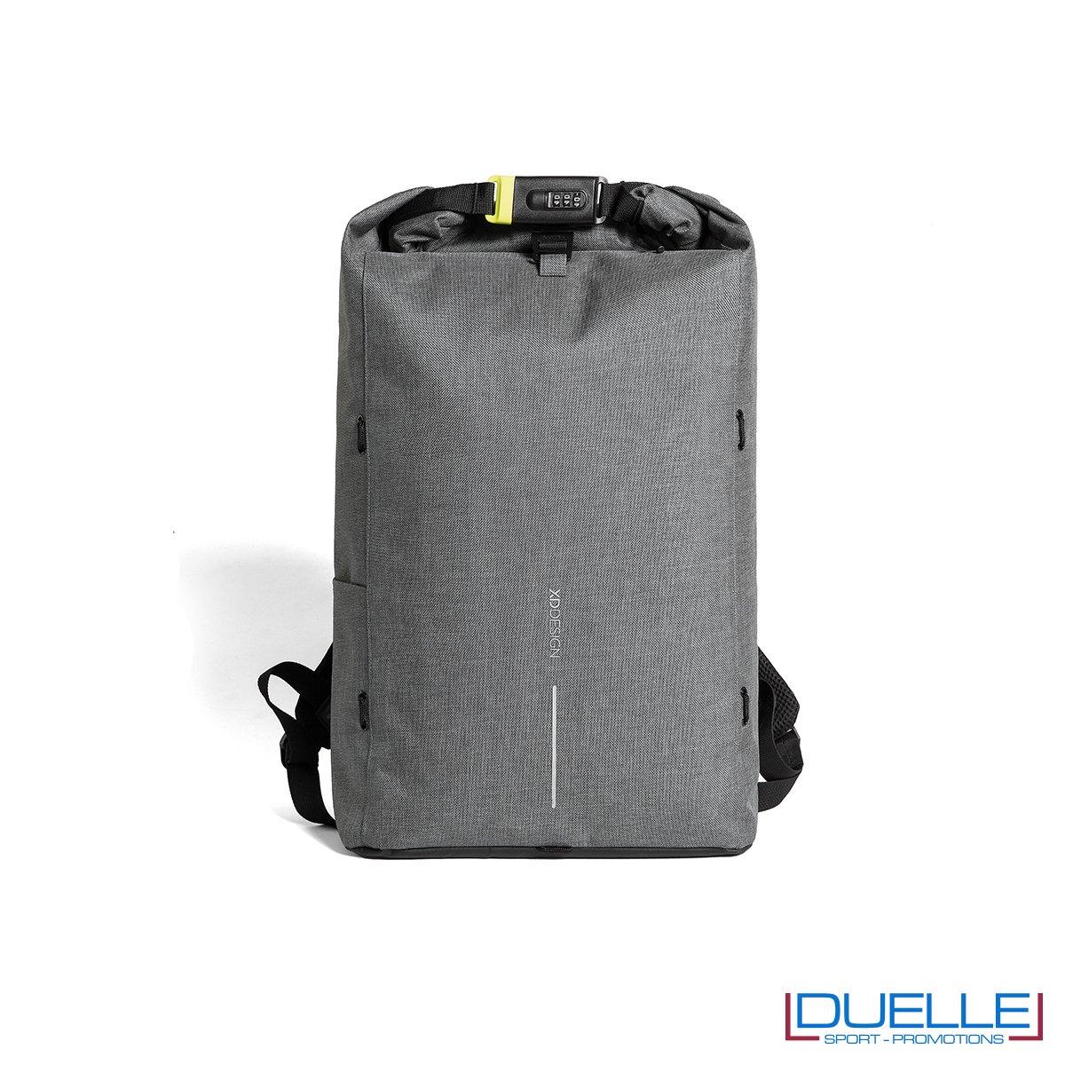 Zaino anti taccheggio personalizzato colore grigio chiusura con lucchetto
