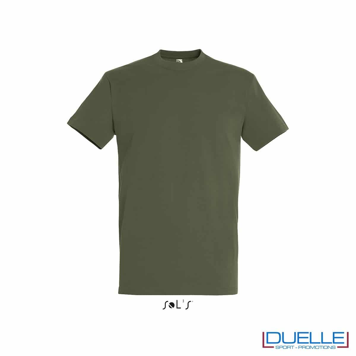T-shirt promozionale in cotone pesante colore verde militare personalizzata con ricamo o stampa