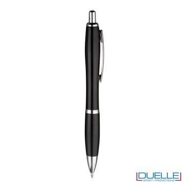 Penna economica personalizzata fusto in plastica colore nero