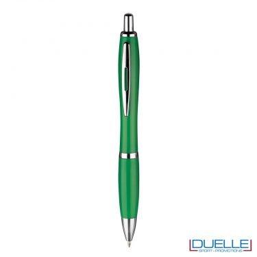 Penna economica personalizzata fusto in plastica colore verde