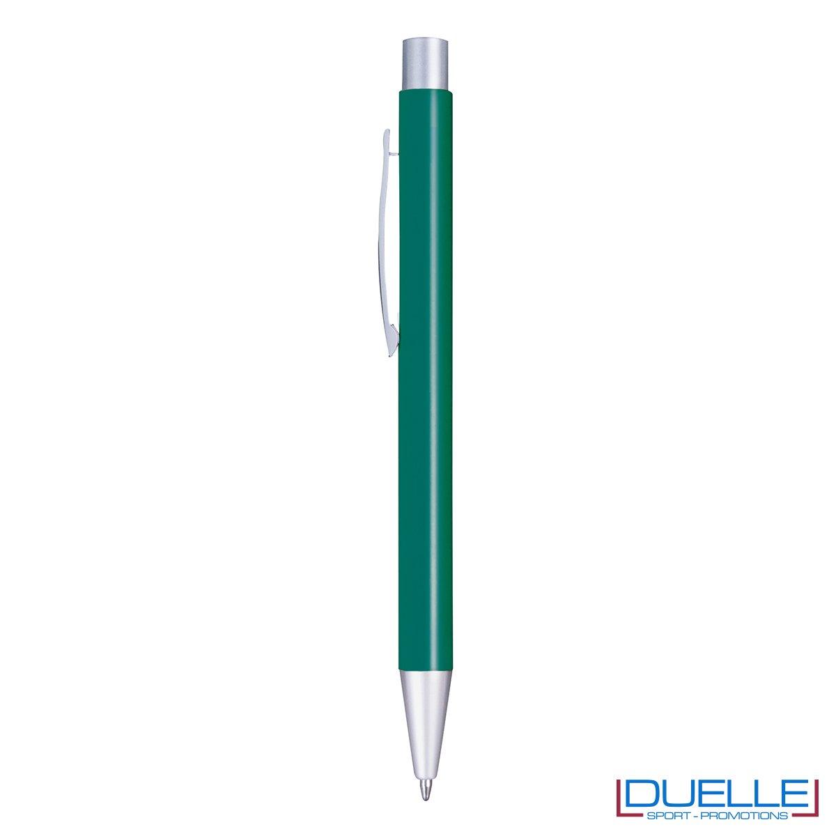 Penna in alluminio colore verde scuro personalizzata con incisione laser