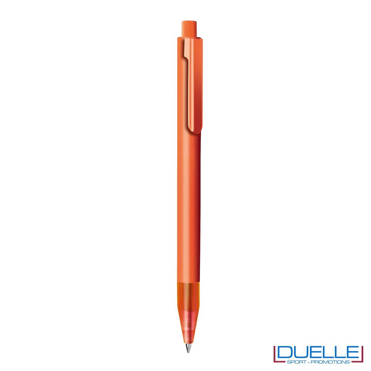 Penna personalizzata con fusto in plastica finitura satinata colore arancione