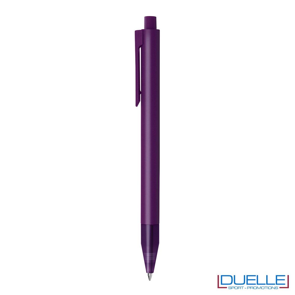 Penna personalizzata con fusto in plastica finitura satinata e puntale soft touch colore viola