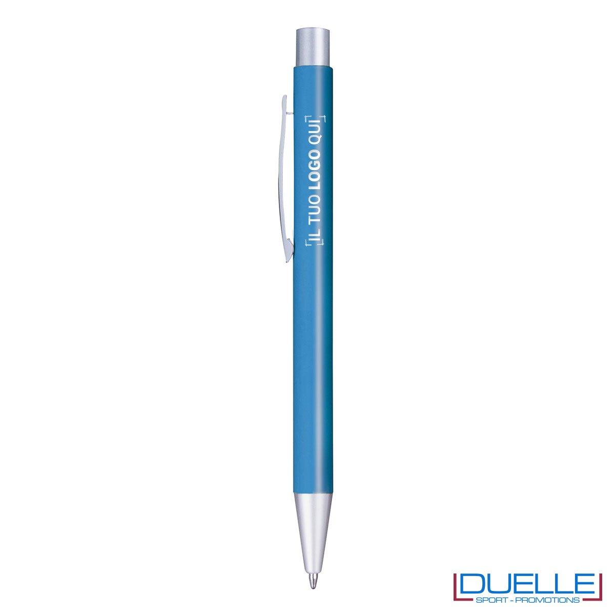 Penna in metallo personalizzata con incisione laser colore azzurro