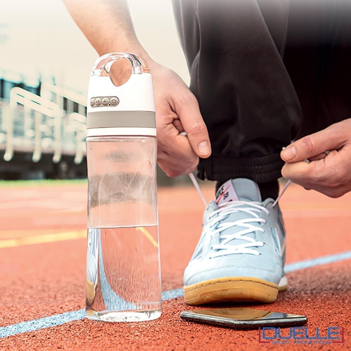 Bottiglia sport con speaker bluetooth personalizzata con il tuo logo