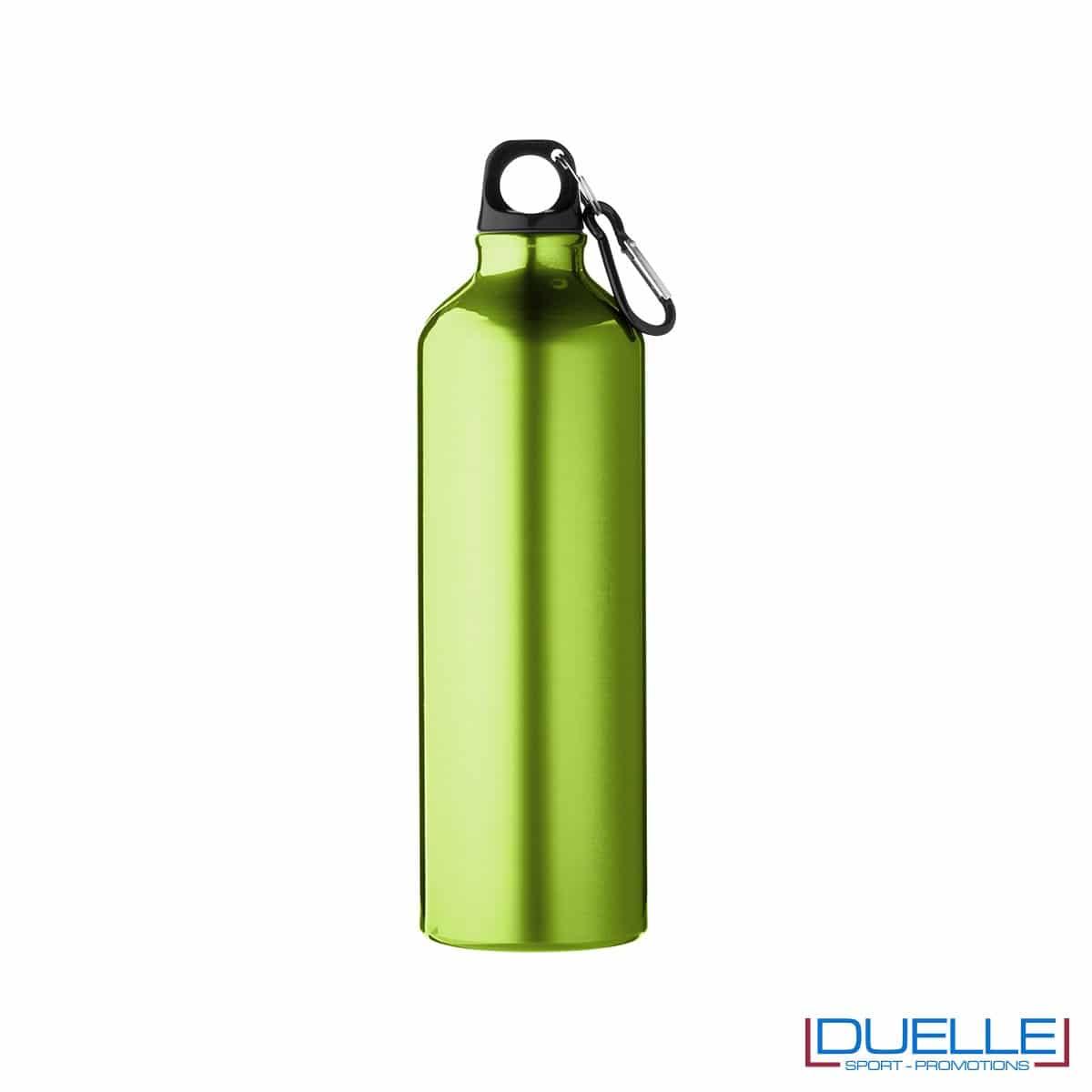 Borraccia in alluminio personalizzata con incisione laser. Borraccia con moschettone, capacità 770 ml, colore verde