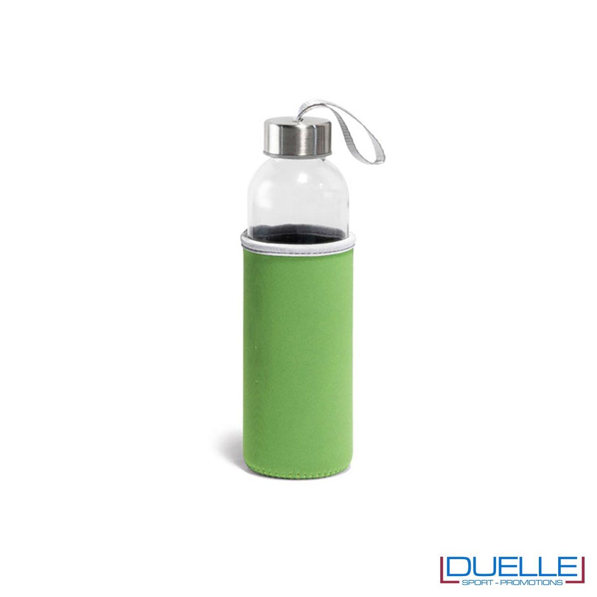 Bottiglia in vetro con astuccio personalizzato colore verde