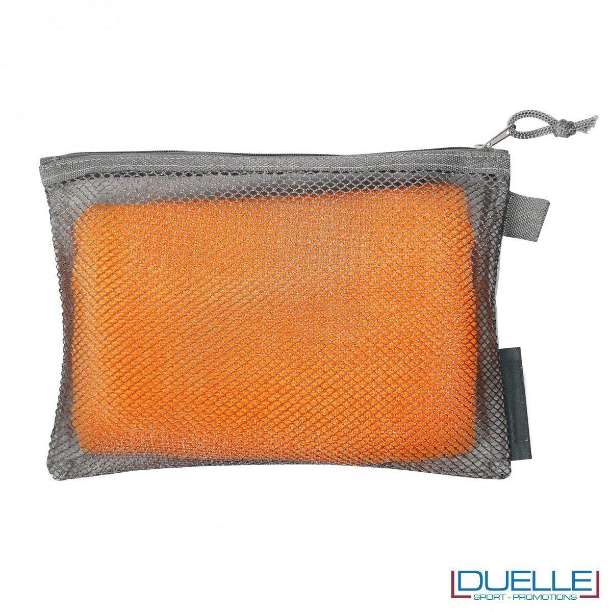 Asciugamano sportivo in microfibra R-pet con astuccio
