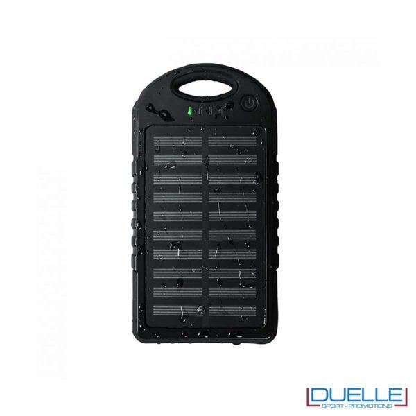 Carica batteria con pannelli solari