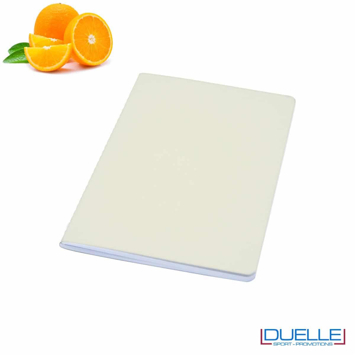 Quaderno carta riciclata con residui della lavorazione degli agrumi
