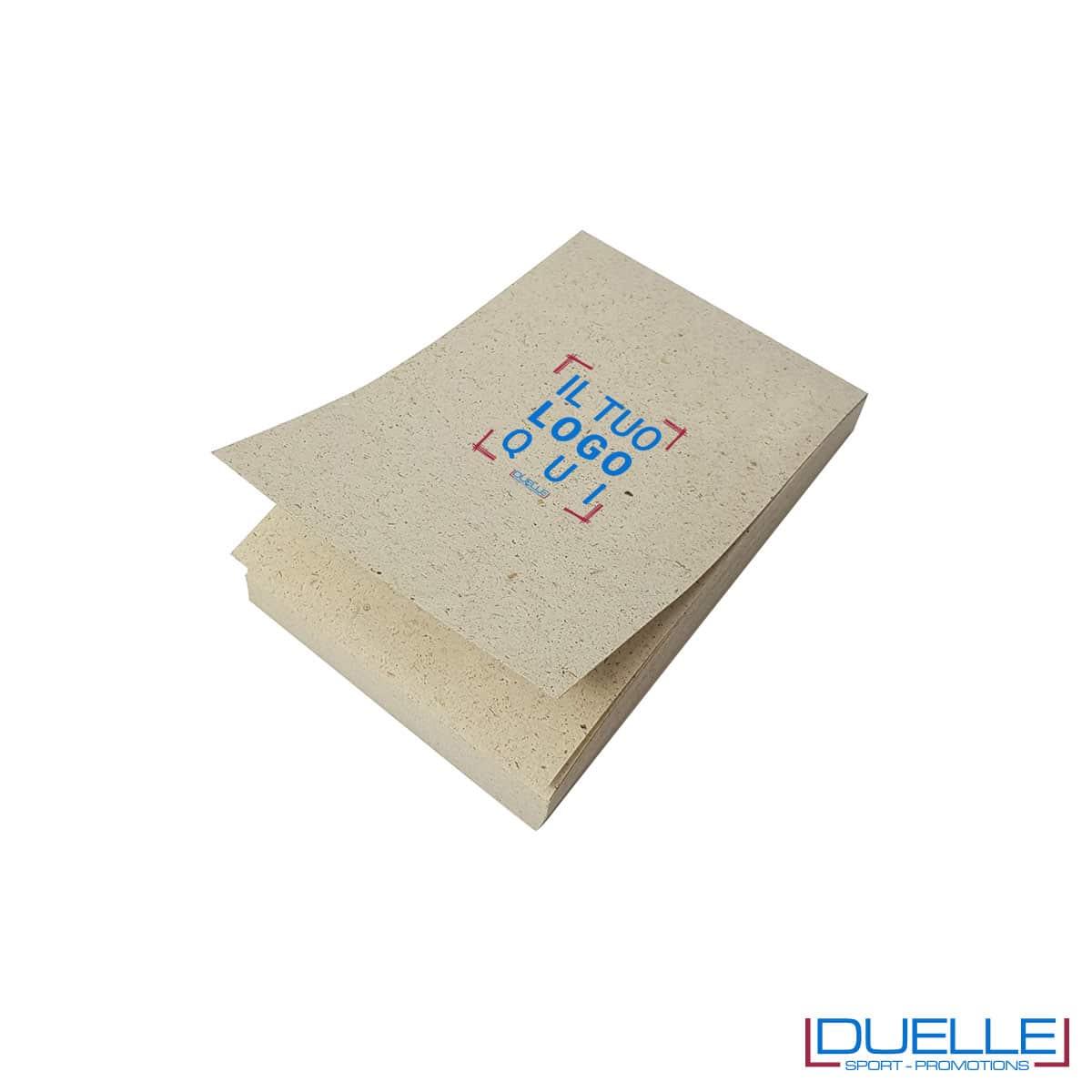 Blocco appunti in carta di erba essiccata e cellulosa