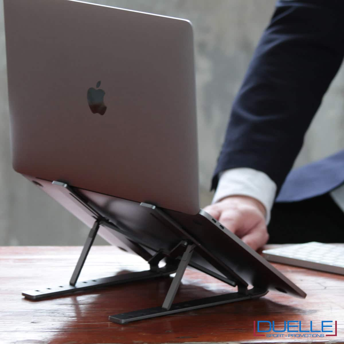 Supporto portatile regolabile con logo