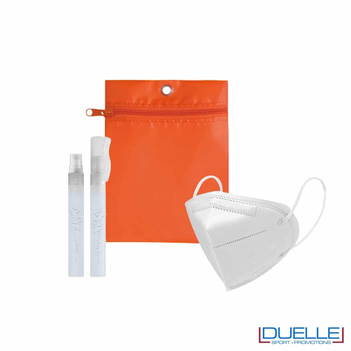 Kit di benvenuto igienizzante colore arancione personalizzato con il tuo logo