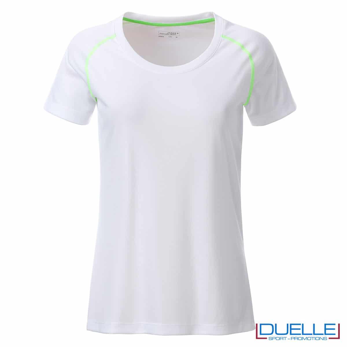 maglia bianca e verde da donna per fitness
