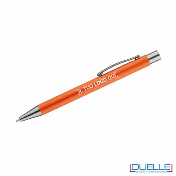 Penna arancio soft touch personalizzata