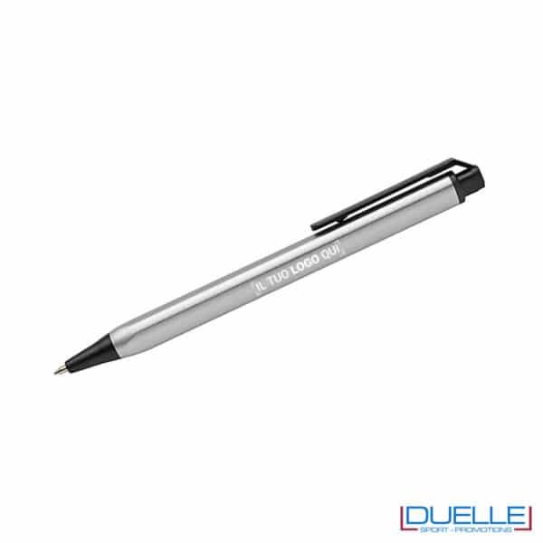 Penna soft touch con forma triangolare personalizzata