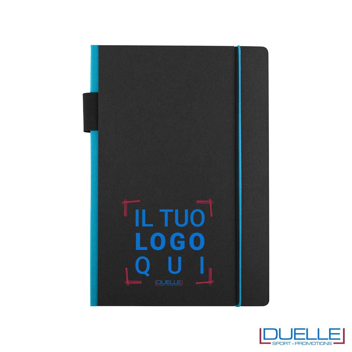 Blocco per appunti personalizzato JOURLABOOKS con elastico azzurro formato A5, quaderni promozionali personalizzabili colore azzurro