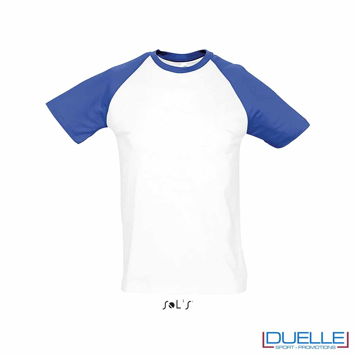 t-shirt personalizzata sportiva bicolore in colore blu royal e bianco, abbigliamento sportivo personalizzato