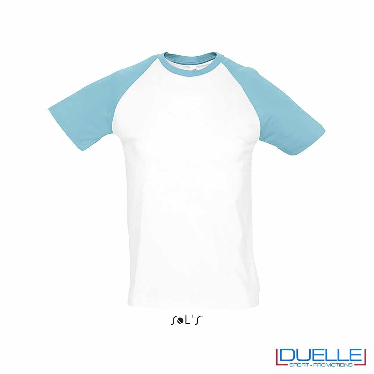 t-shirt personalizzata sportiva bicolore in colore blu atollo e bianco, abbigliamento sportivo personalizzato