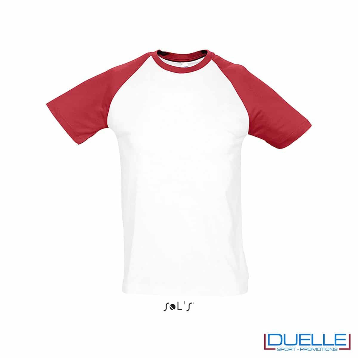 t-shirt personalizzata sportiva bicolore in colore rosso e bianco, abbigliamento sportivo personalizzato