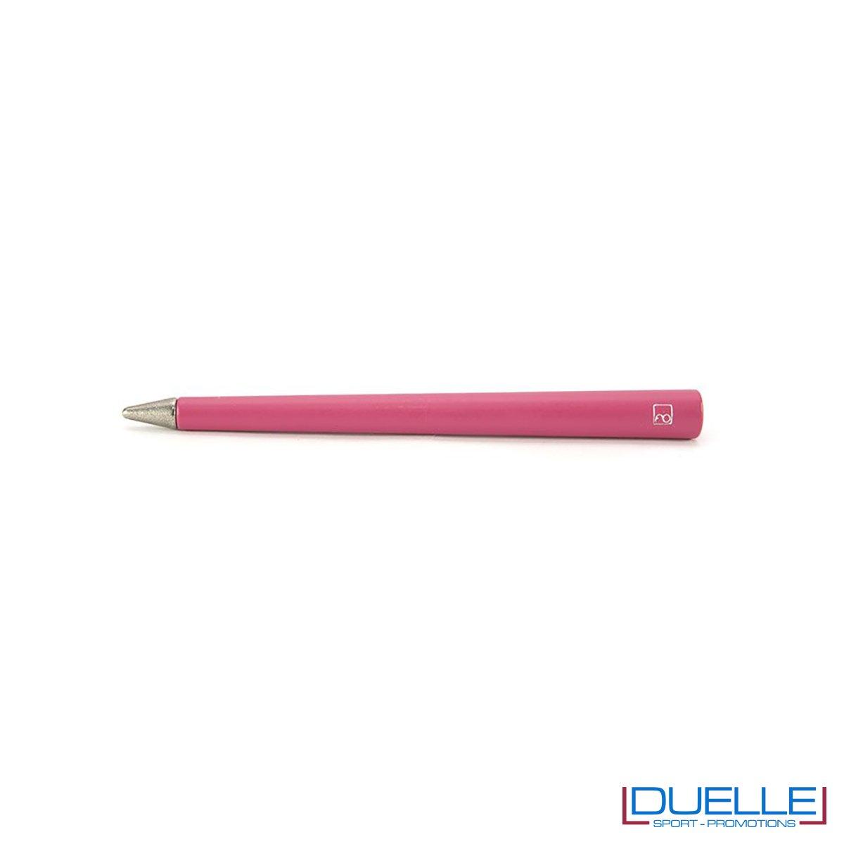 matita infinita personalizzata primina in colore magenta, regali aziendali personalizzabili magenta