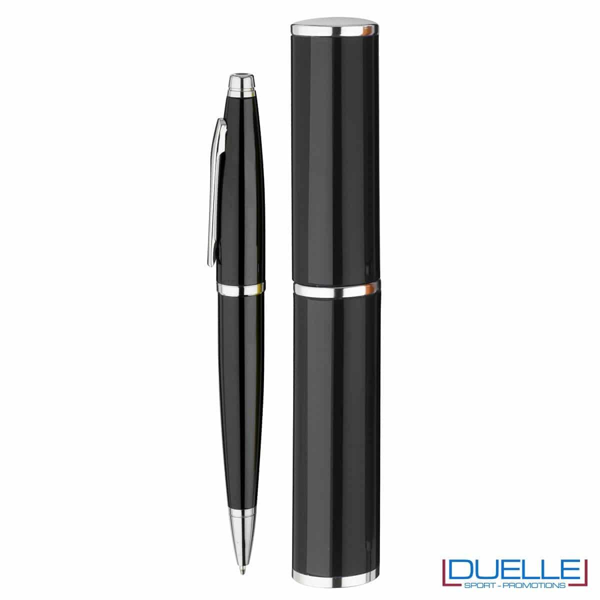 penna personalizzata in alluminio colore nero confezionata in cilindro regalo