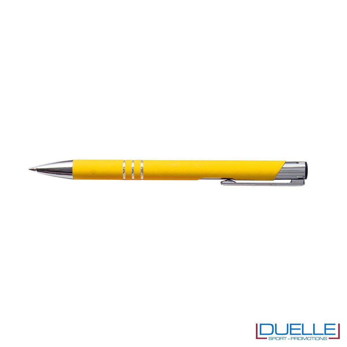 penna personalizzabile in metallo con finitura soft touch gialla, penne personalizzate promozionali soft touch gialle