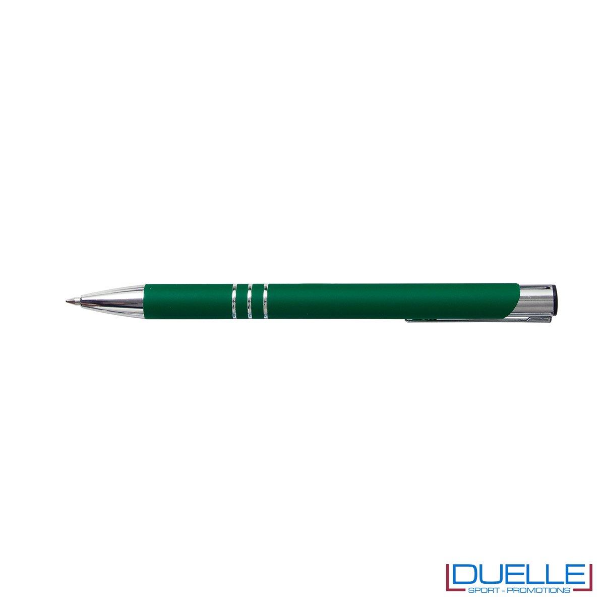 penna personalizzabile in metallo con finitura soft touch verde scuro, penne personalizzate promozionali soft touch verde scuro