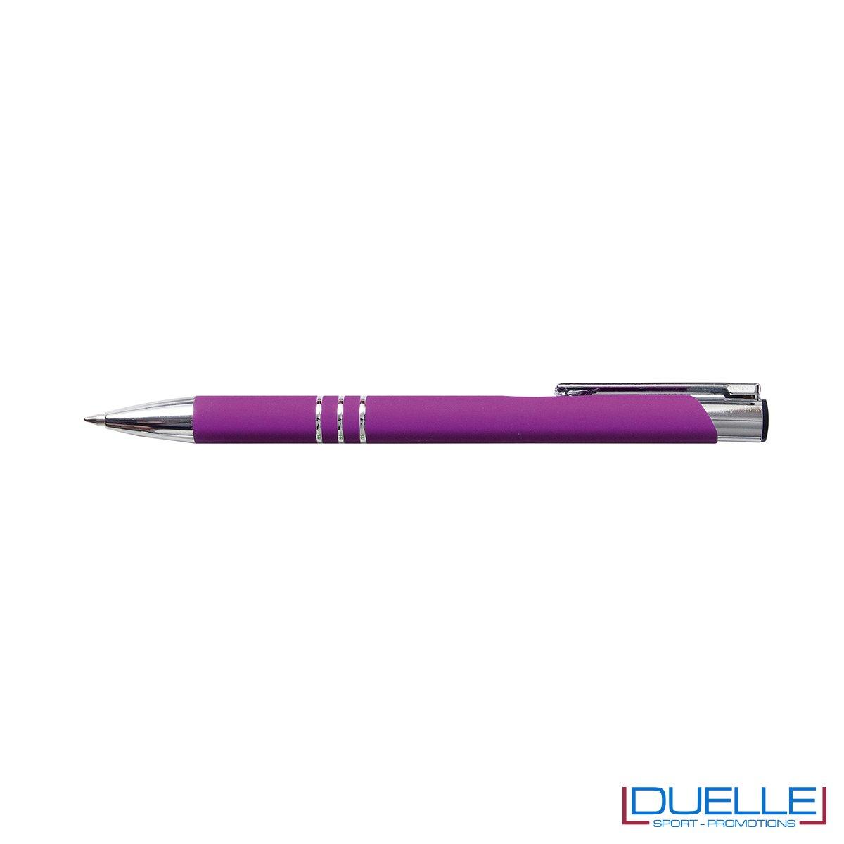 penna personalizzabile in metallo con finitura soft touch viola, penne personalizzate promozionali soft touch viola