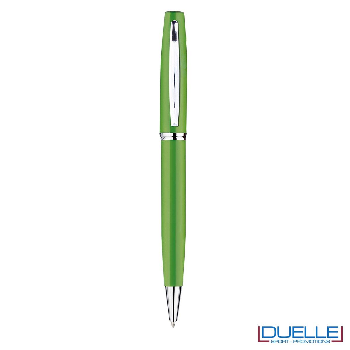 Penna a sfera in metallo personalizzata con incisione colore verde chairo