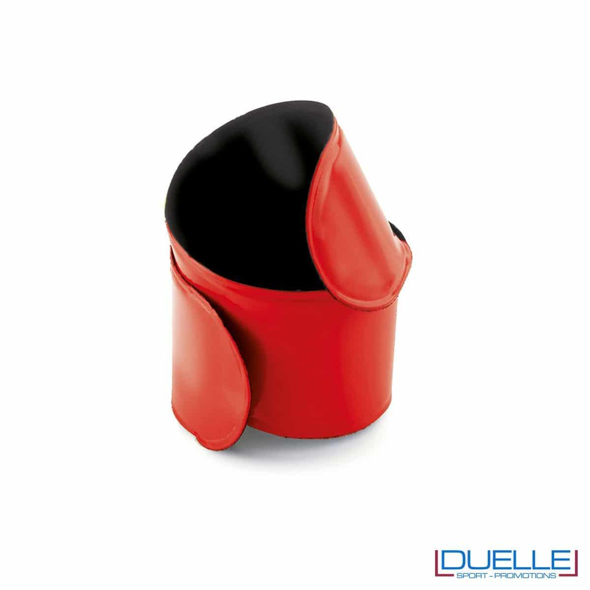 bracciale catarifrangente personalizzato autoavvolgente in colore rosso, bracciale running personalizzato