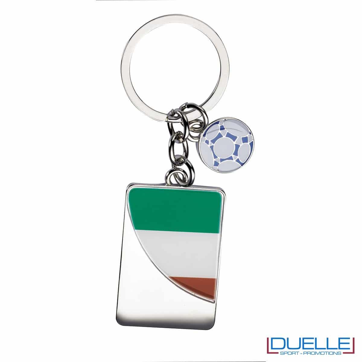 portachiavi personalizzato con pallone da calcio e bandiera tricolore, gadget mondiali personalizzati