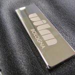 Incisioni laser per personalizzazioni gadget aziendali e gadget personalizzati. Duelle Sport-Promotions annovera diversi tipi di personalizzazioni gadget.