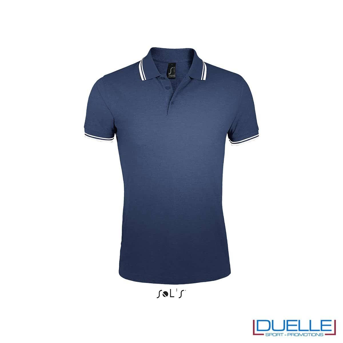 polo personalizzata blu navy con profili a contrasto bianchi, polo personalizzate