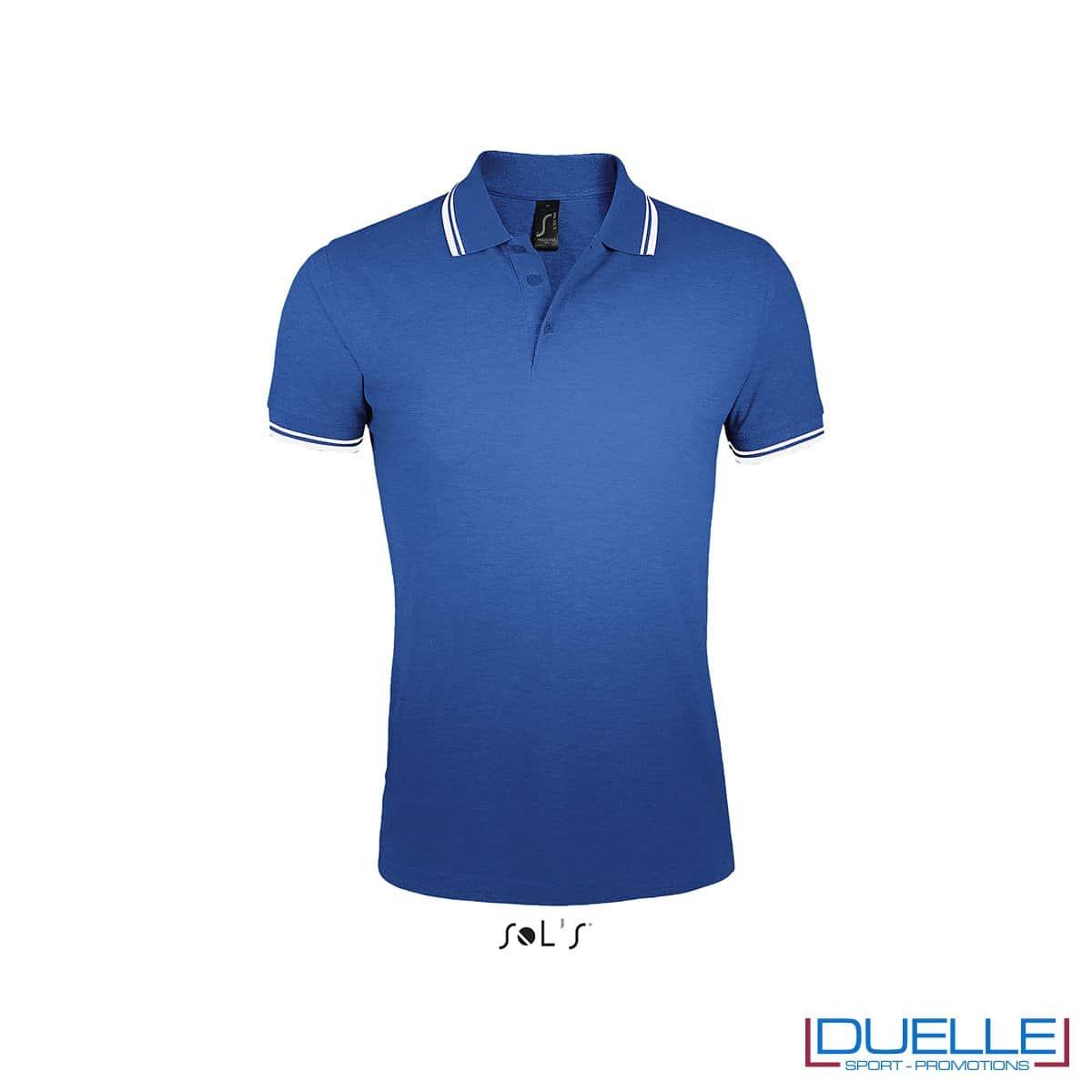 polo personalizzata blu royal con profili a contrasto bianchi, polo personalizzate