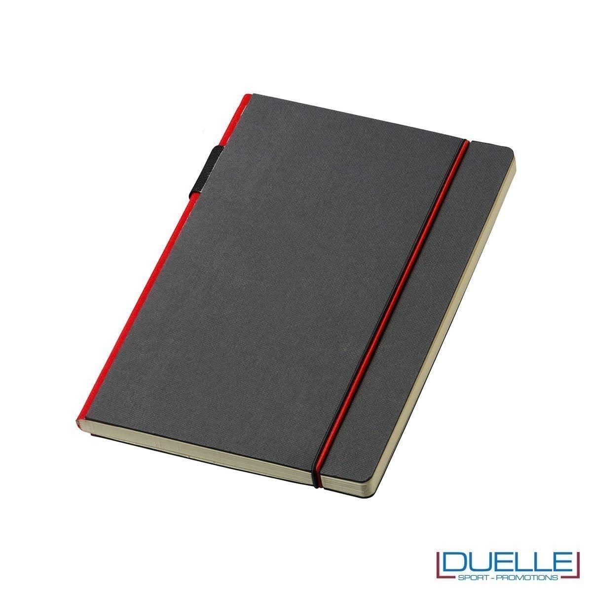 blocco appunti journalbooks con elastico rosso, portapenne e canvas rosso.