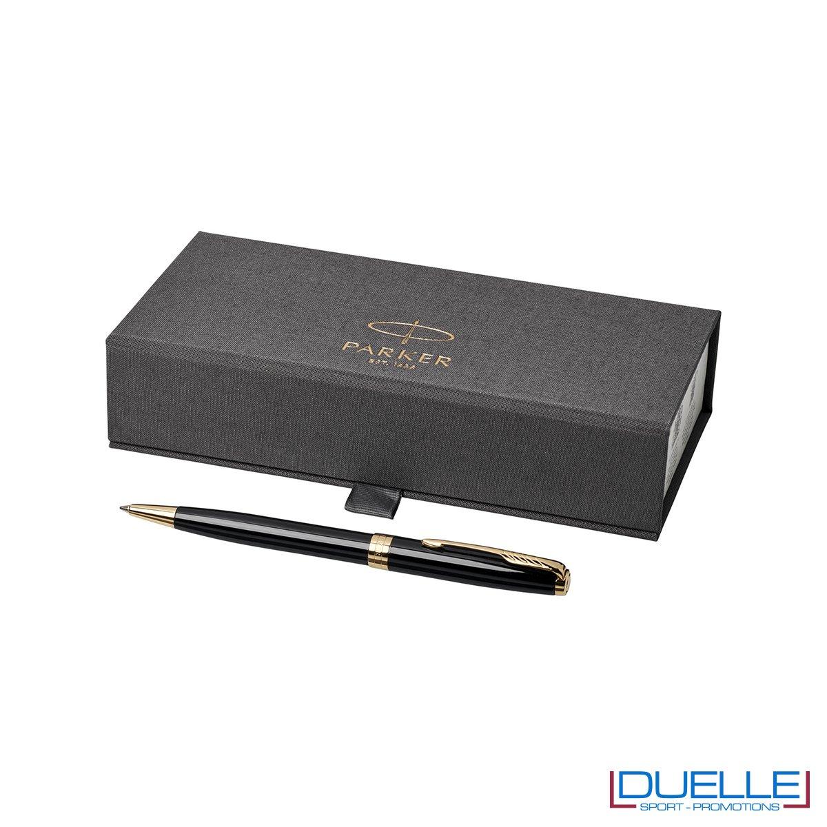 Penna Parker Sonnet Personalizzata a sfera colore nero/oro in confezione regalo