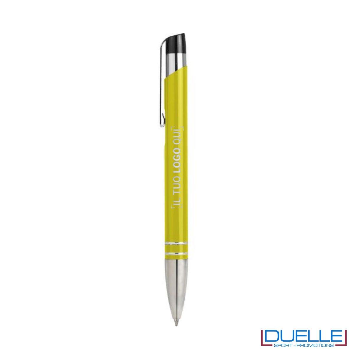 Penna a sfera con fusto in metallo adatta per la personalizzazione laser.