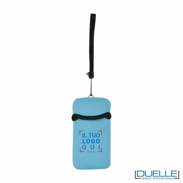 Portacellulare personalizzato in neoprene colore AZZURRO da appendere al collo. gadget estivi personalizzati, gadget personalizzati