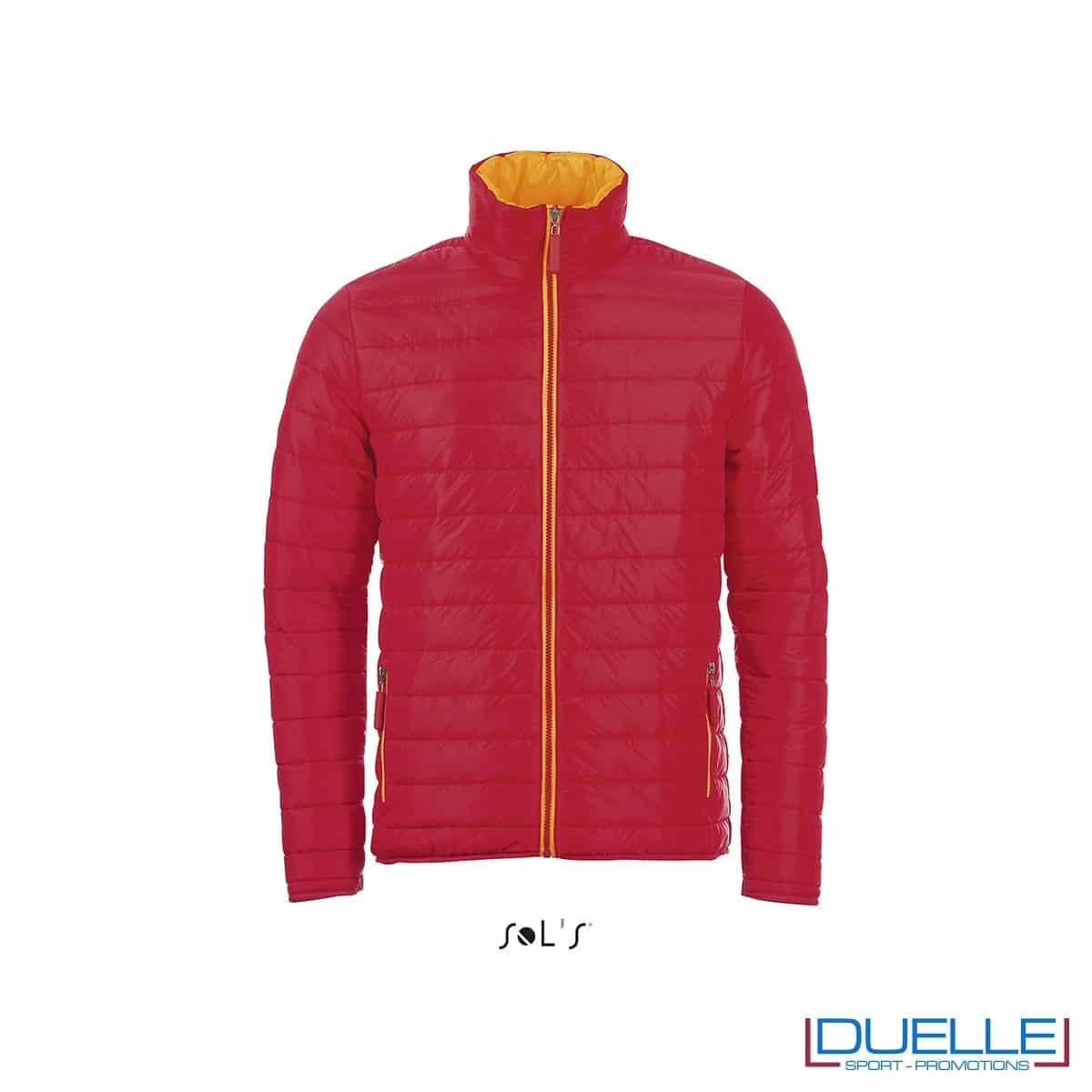 piumino personalizzato in colore rosso, abbigliamento promozionale personalizzato