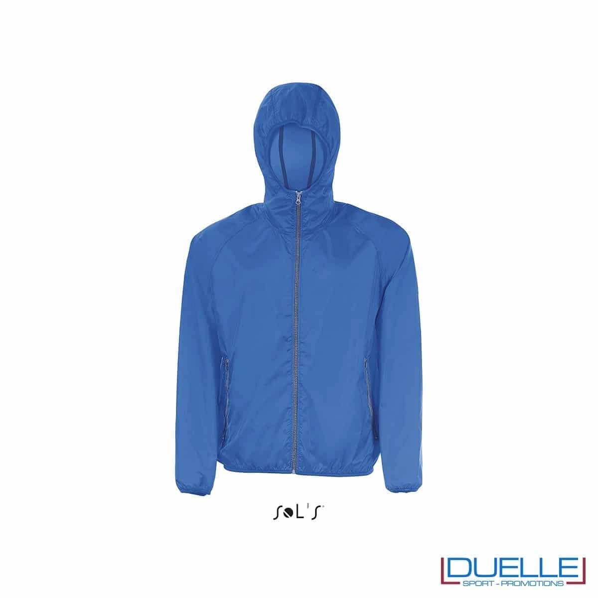 giacca antivento personalizzata in colore blu royal, kappa way personalizzato blu royal, k-way personalizzato blu royal, abbigliamento promozionale personalizzato
