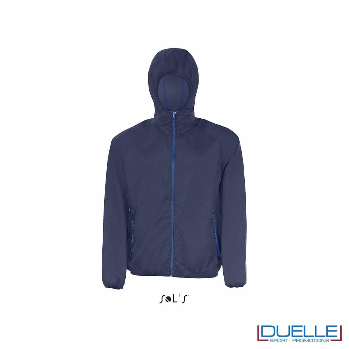 giacca antivento personalizzata in colore blu navy, kappa way personalizzato blu navy, k-way personalizzato blu navy, abbigliamento promozionale personalizzato