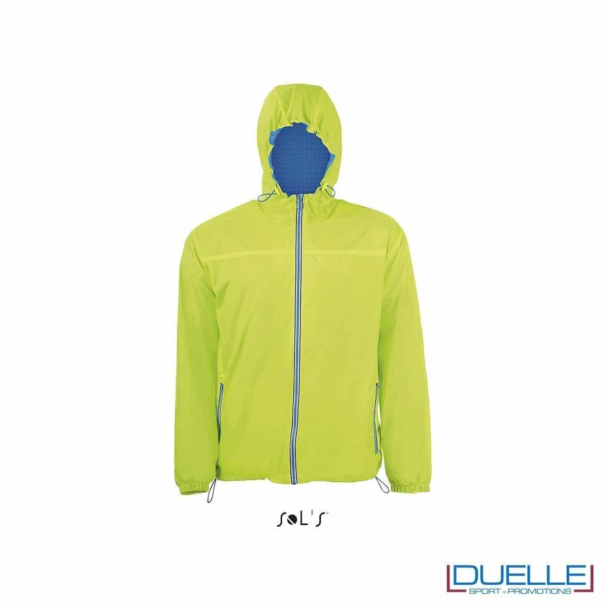 giacca antivento personalizzata colore verde acido con retina interna, kappa way personalizzati, k-way personalizzati